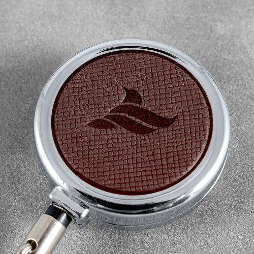 Карман с металлическим ретрактором - горизонтальный, цвет коричневый