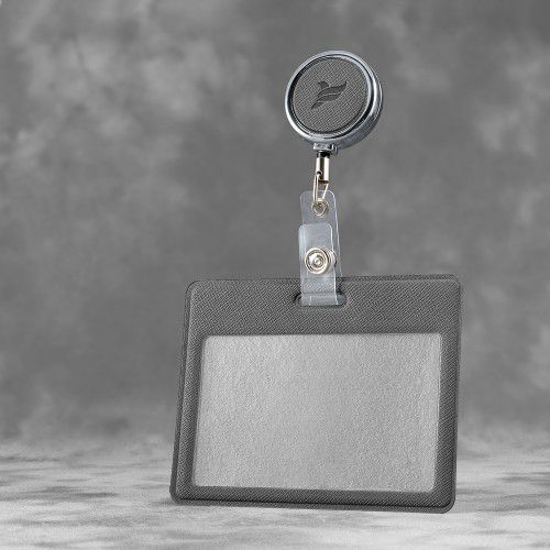 Карман с металлическим ретрактором - горизонтальный, цвет серый