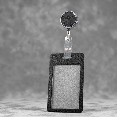 Карман с металлическим ретрактором - вертикальный, цвет черный