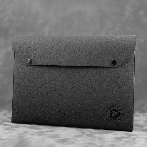 Папка-конверт на двух кнопках, цвет черный